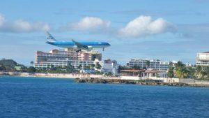 P1040976-Anflug auf Maho Strand-klein
