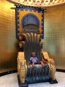 Atlantis Sevi Thron