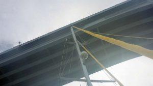 P1060500-Sameera unter Paradise bridge-small