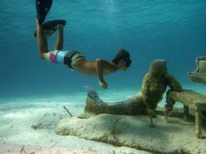 P1200694-Gabri pirscht sich an mermaid an-klein